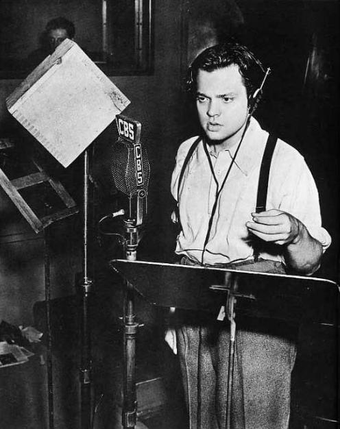Orson Welles scaring the beejeezus out of America on October 30, 1938